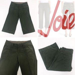 Women's cropped pants Size: 4